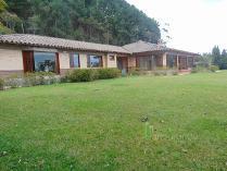 Casa en arriendo en Loma Del Escobero, Envigado
