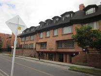 Apartamento en venta en Carrera 13  106 - 30 Apto 301 Garaje 16 Deposito 19 Edificio Tenerife, Santa Paula, Usaquén