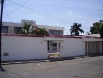 Amplia Residencia En Venta En El Norte De La Ciudad, En La Tradicional Colonia Campestre