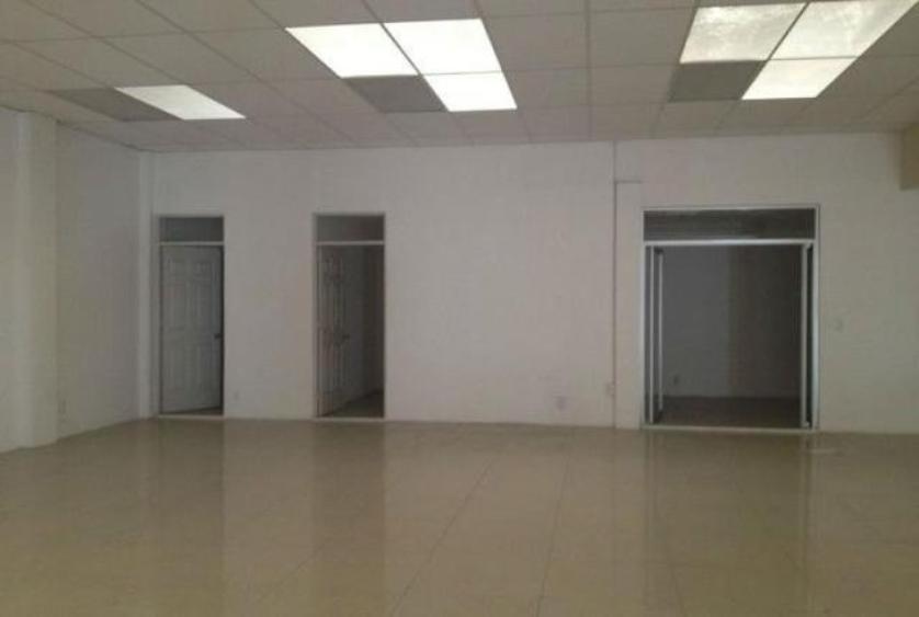 Local comercial en  renta en Dirección: Camelinas, Morelia