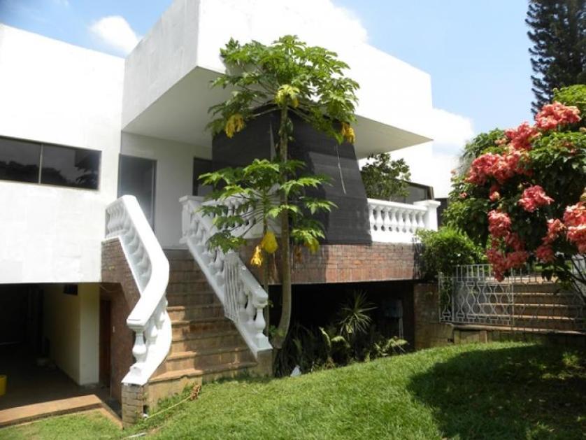 Venta de casa en ciudad jard n comuna 22 vmet1413 for Casas en ciudad jardin cali para la venta