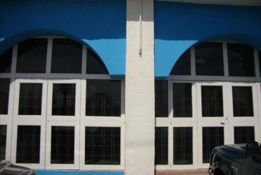 Local comercial en  renta en Dirección:, Morelia