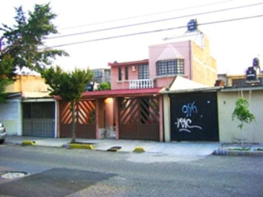 Venta casa en jardines de morelos ecatepec de morelos for Jardin 7 hermanos ecatepec