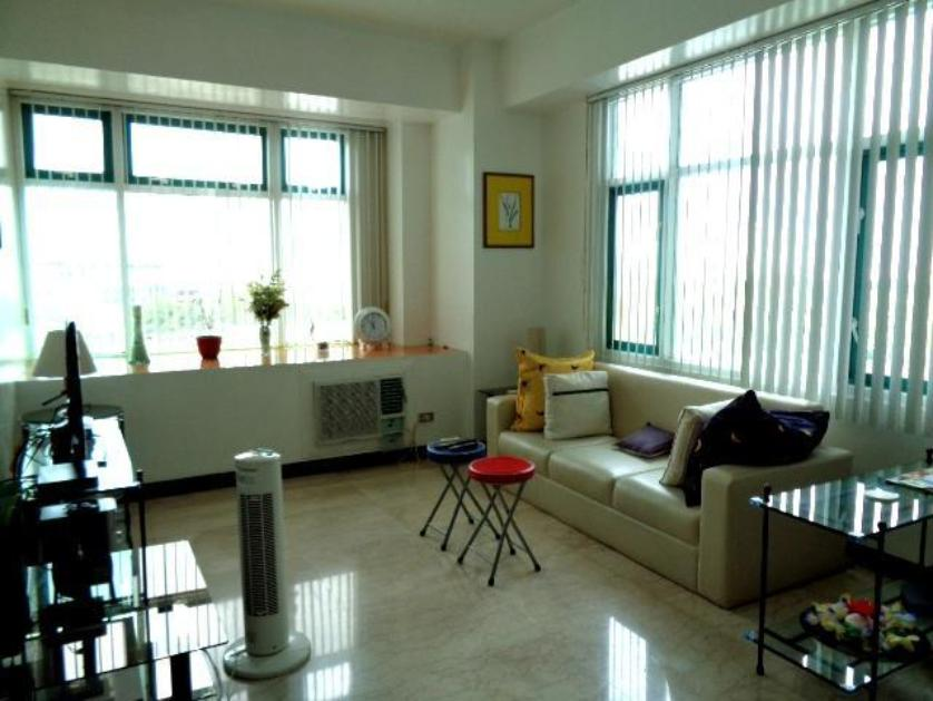 Condominium For Rent in Aspen Condominium, Parkway Street, Alabang, Metro Manila