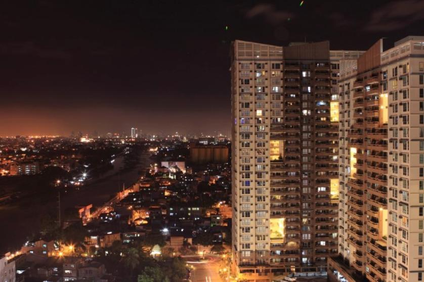 Condominium For Sale in Coronado, Hulo, Metro Manila