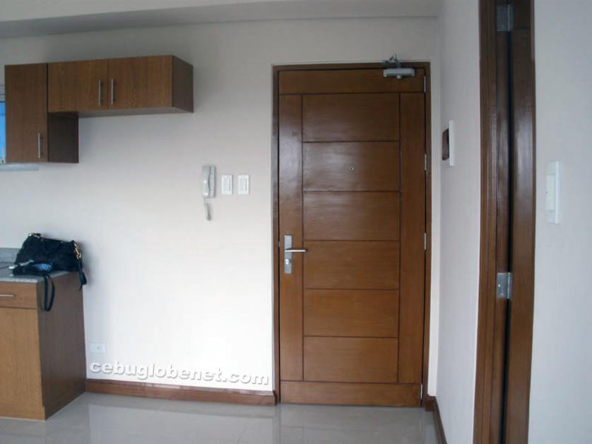 Condominium For Rent in Punta Engano, Lapu-lapu City, Punta Engaño, Cebu