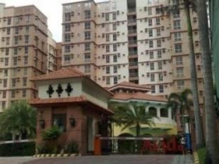 Condominium For Sale in San Dionisio, Metro Manila