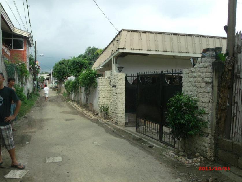 Apartment For Sale in Tisa, Cebu