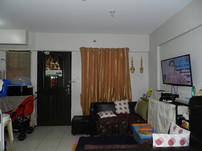 Condominium For Sale in Pulanglupa Uno, Metro Manila