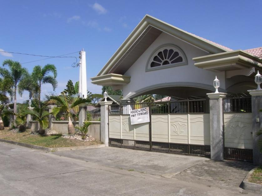 Bungalow House For Sale or For Rent at Sunset Estates in Angeles City, Pampanga