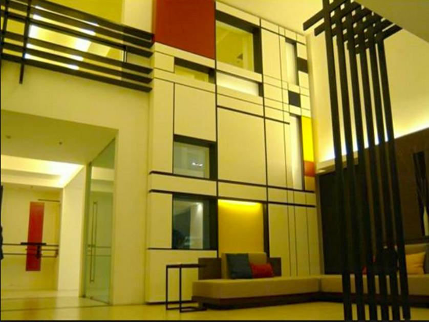 Condominium For Sale in Alabang, Metro Manila