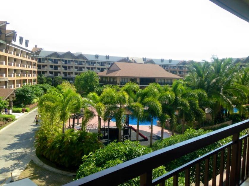 Condominium For Rent in Almanza Uno, Metro Manila