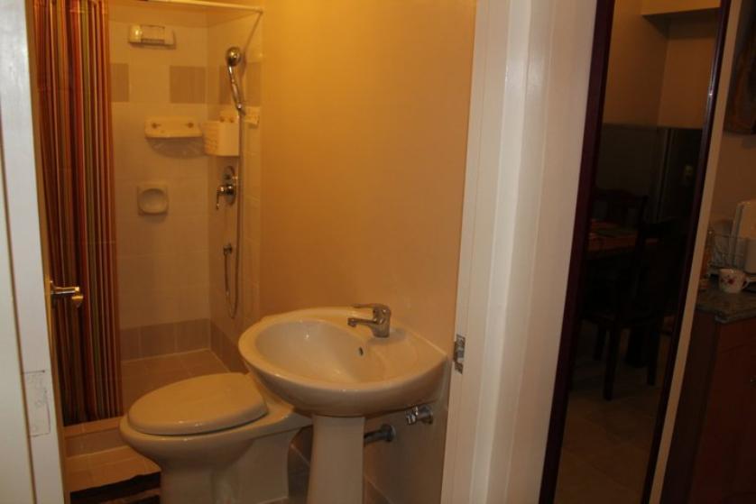 Condominium For Rent in Hulo, Metro Manila