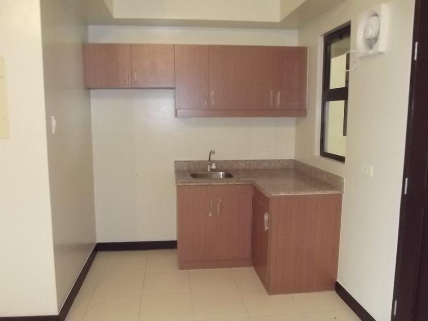 Condominium For Rent in Sun Valley, Metro Manila