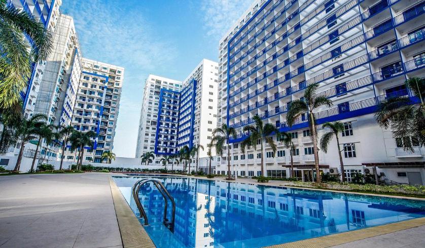 Condominium For Rent in Bay City, Metro Manila