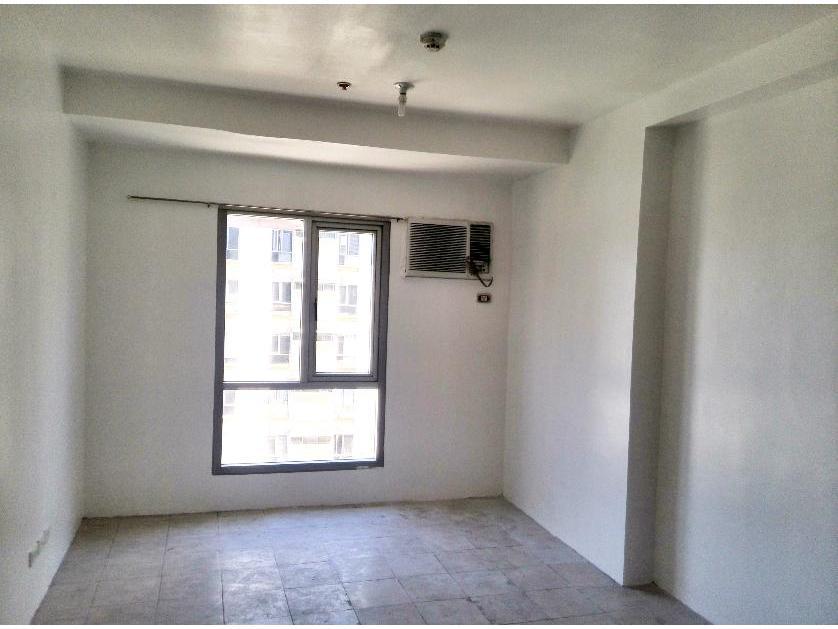 Condominium For Sale in A. H. Lacson Sta. Cruz Manila, Santa Cruz District, Metro Manila