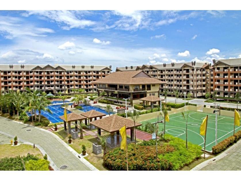Condominium For Sale in Ohana Place, Almanza Uno, Metro Manila