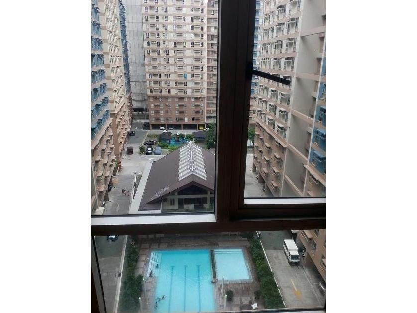 Condominium For Rent in Felix Huertas St. Sta. Cruz, Manila, Santa Cruz District, Metro Manila