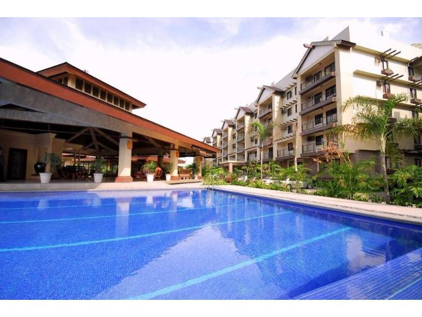Condominium For Sale in Raya Garden Condominium, Merville, Metro Manila
