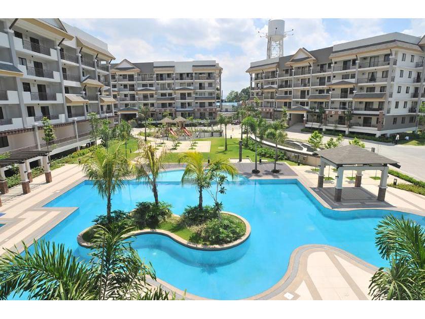 Condominium For Sale in Riverfront Residences, Caniogan, Metro Manila