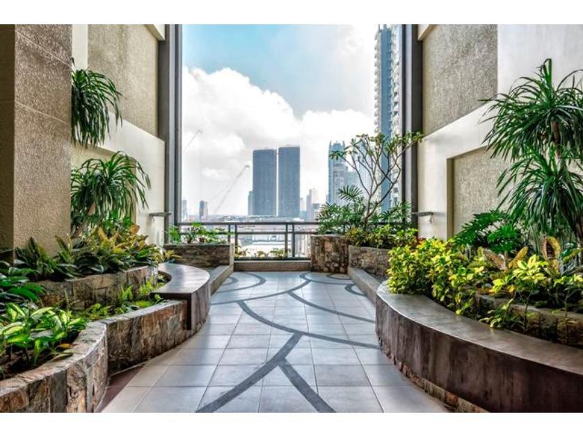 Condominium For Sale in Flair Towers, Highway Hills, Metro Manila