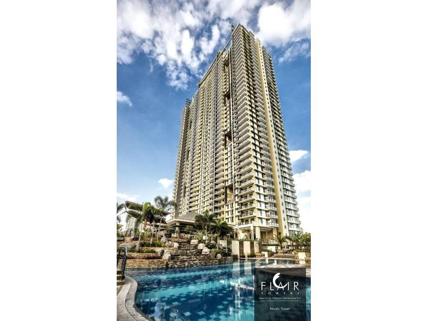 Condominium For Sale in Flair Towers, Highway Hills, Metro Manila