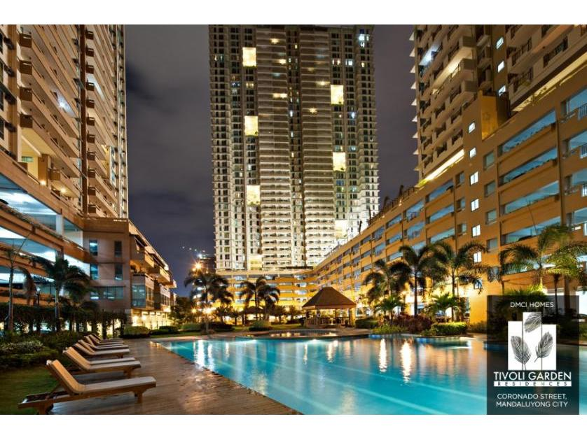 Condominium For Sale in Hulo, Metro Manila
