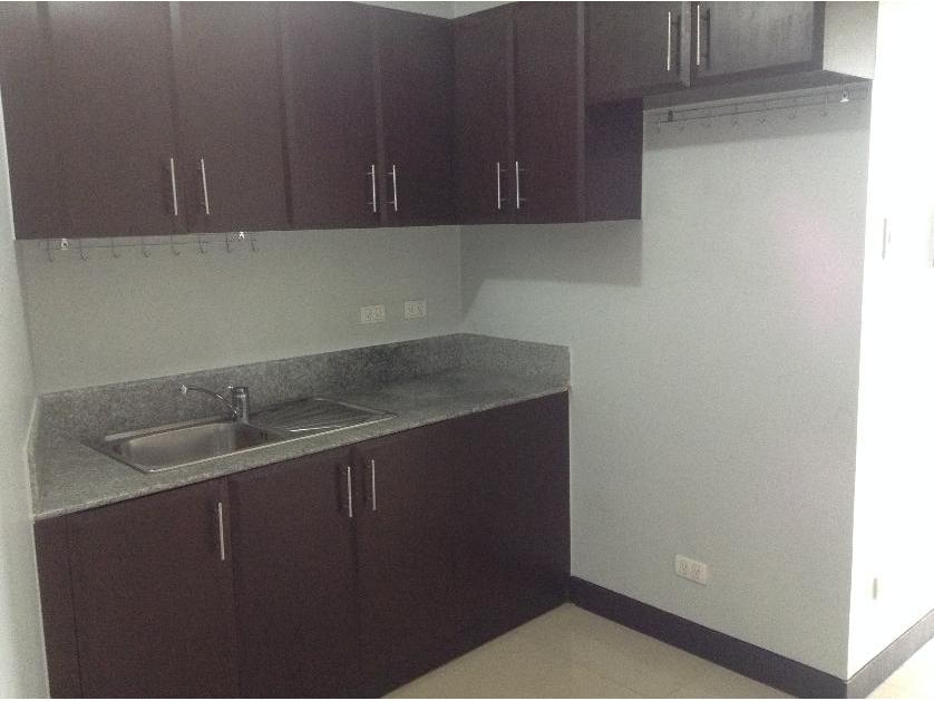Studio Unit For Rent in 20rd F Manhattan Parkway Tower 2 Araneta Center Cubao, Cubao, Metro Manila