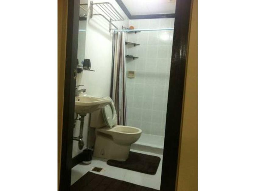 Condominium For Rent in 1514 Malayan Plaza Corner Opal And Adb, San Antonio, Metro Manila