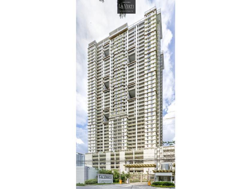 Condominium For Sale in La Verti Residences Dmci Homes Donada St. Pasay Manila, Leveriza, Metro Manila