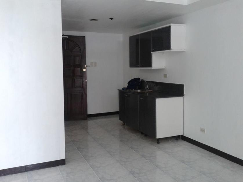 Condominium For Rent in Leon Guinto Cor Quirino Avenue, Malate District, Metro Manila