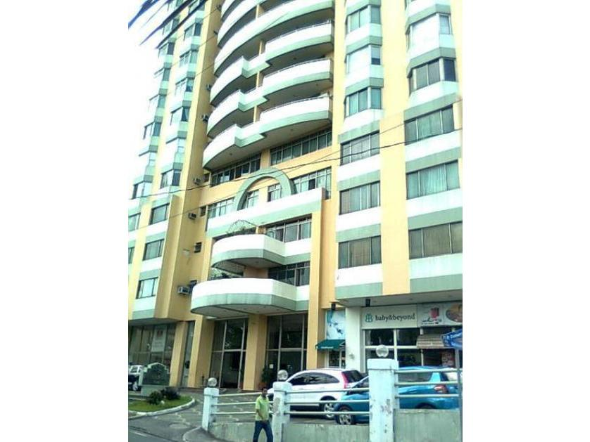 Condominium For Sale in Strata 300, P. Guevarra St., Little Baguio, Metro Manila