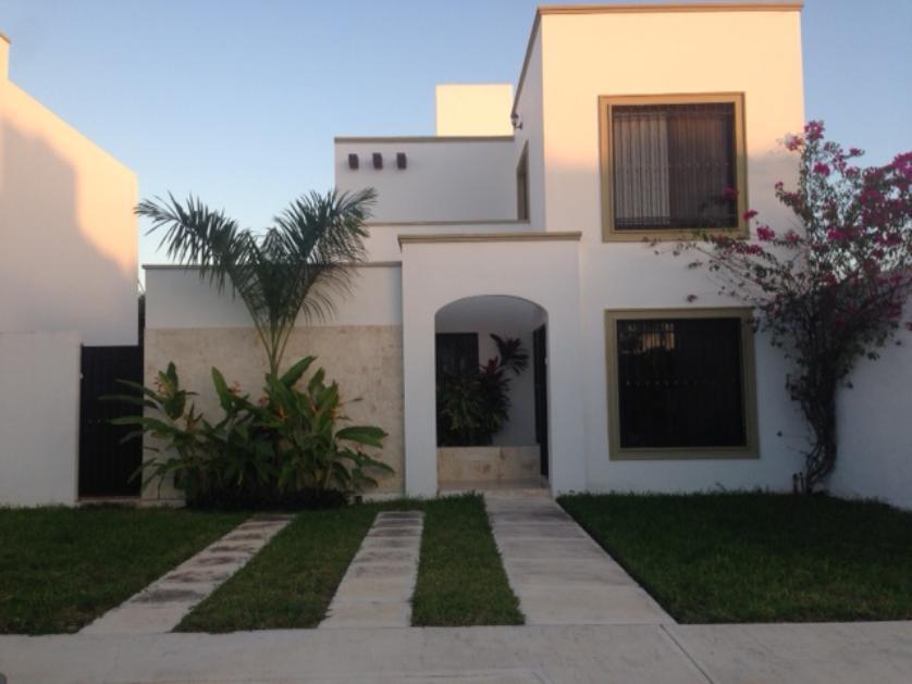 Casas en venta en gran santa fe m rida for Casa con piscina zona norte merida