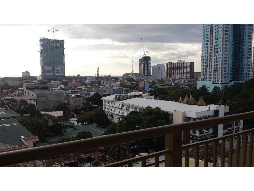 Condominium For Rent in La Verti Residences, Taft Ave.-near La Salle, Adventist Medical Center, Leveriza, Metro Manila