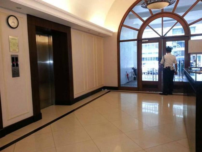 Condominium For Rent in Rada Street, San Lorenzo, Metro Manila