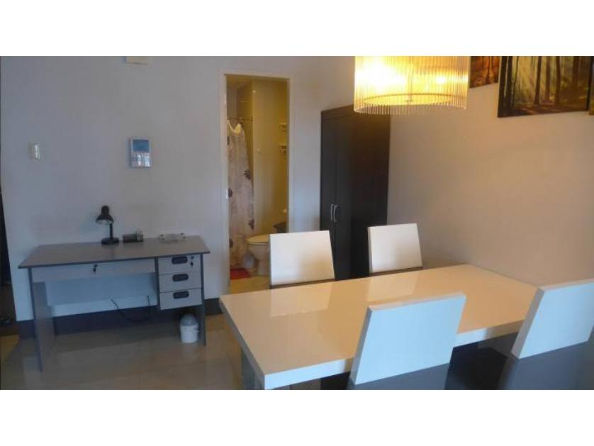 Condominium For Sale in Don Carlos Palanca, San Lorenzo, Metro Manila
