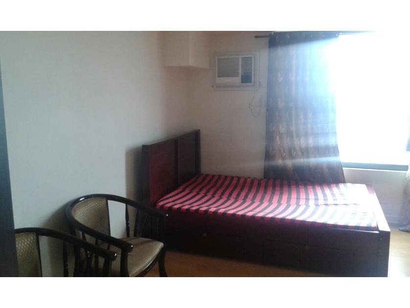 Condominium For Rent in Yakal Street Corner Chino Roces Ave, San Antonio, Metro Manila