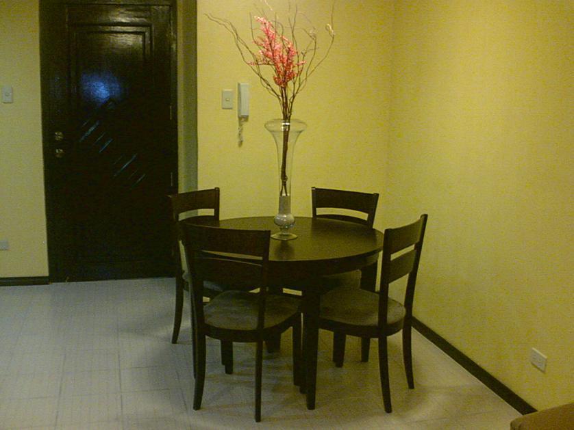 Condominium For Rent in H.v. Dela Costa, Bel-air, Metro Manila