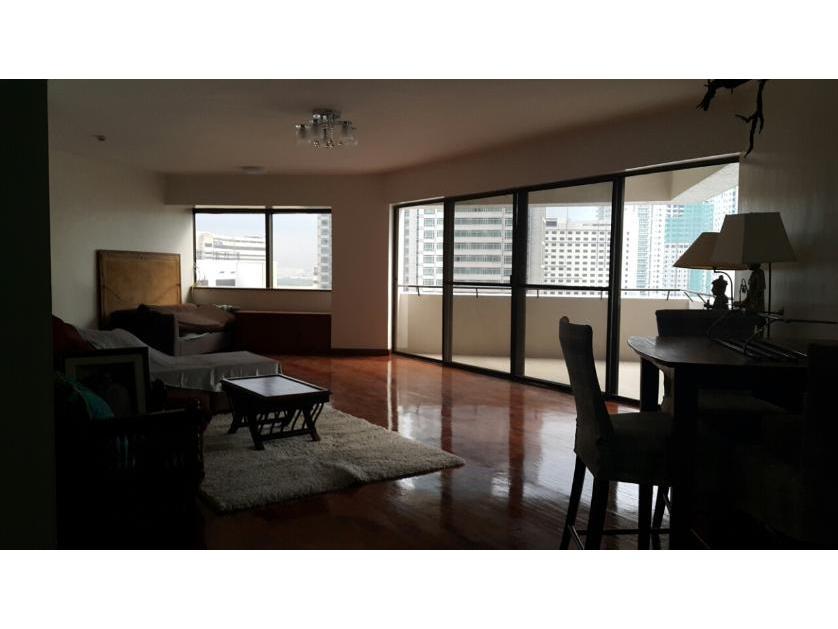Condominium For Rent in Apartment Ridge Rd, Urdaneta, Metro Manila