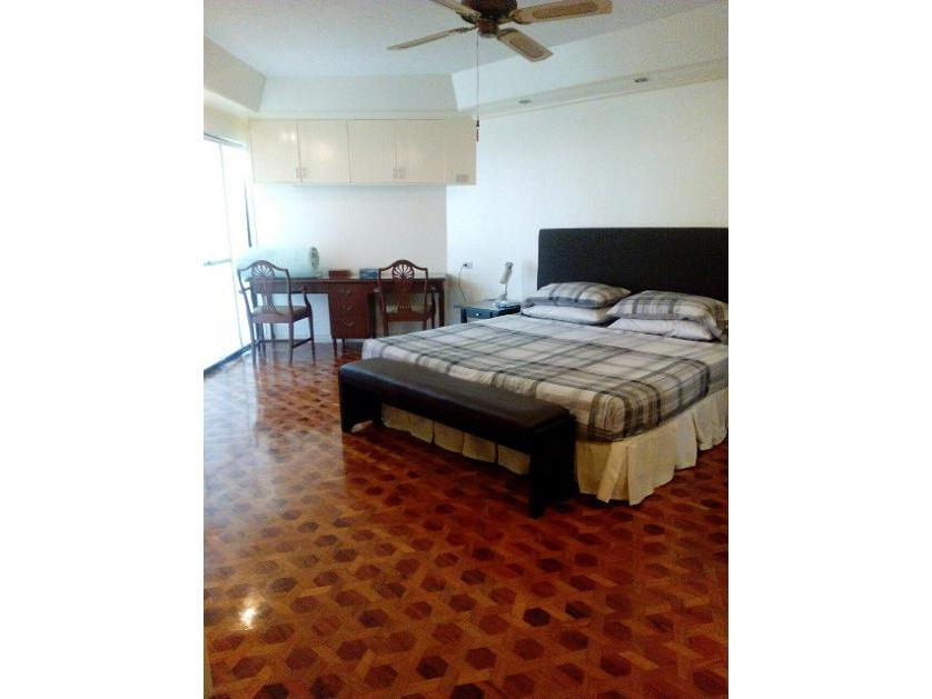 Condominium For Rent in L.p. Leviste, San Lorenzo, Metro Manila