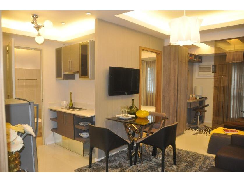 Condominium For Sale in Padre Faura, Roxas Blvd., Manila, Malate District, Metro Manila