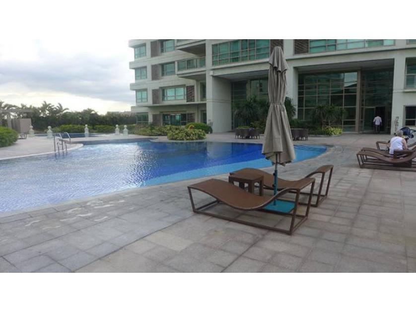 Condominium For Sale in Arnaiz Avenue, San Lorenzo, Metro Manila