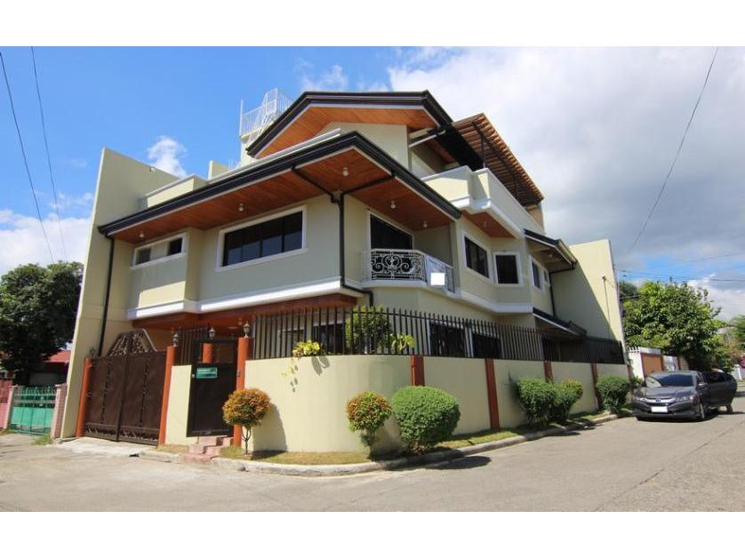5 Bedrooms House for Sale in Talisay Cebu