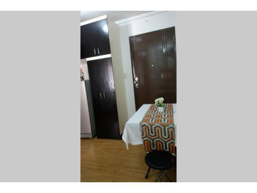 Condominium For Rent in Lombos St., Paranaque, Parañaque, Ncr