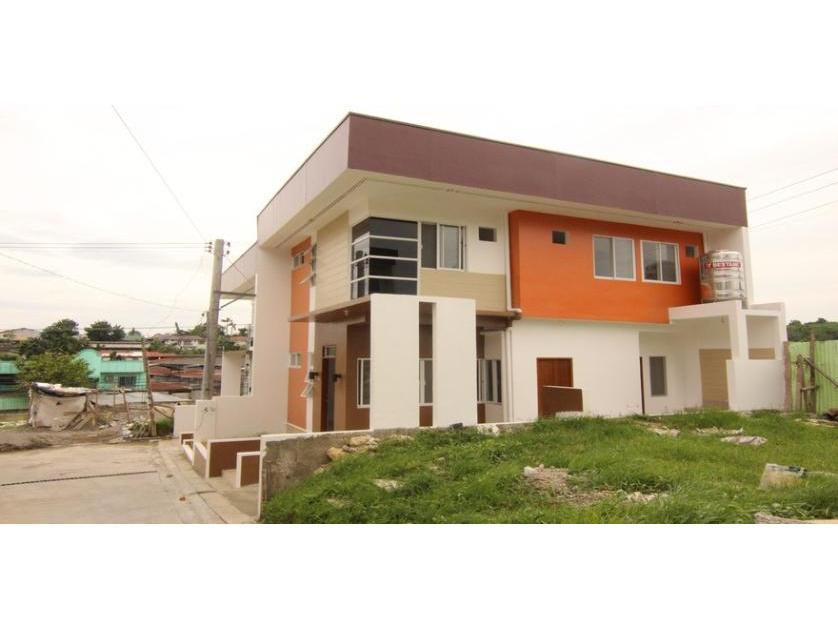 4 Bedroom House and Lot in Mandaue Cebu For Sale