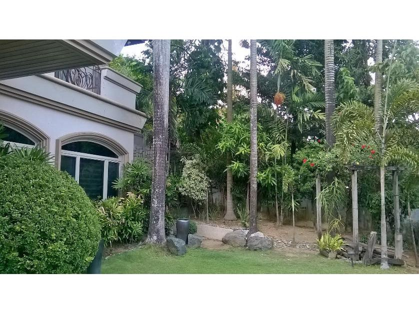 5br House and lot for sale at Loyola Grand Villa Phase 1 P75M