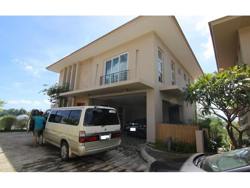 3 Level House with Swimming Pool for Sale in Cebu City