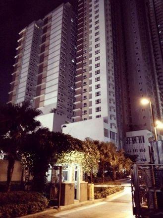 Condominium For Sale in Barangka Ilaya, Edsa Corner Pioneer Avenue, Mandaluyong,, Metro Manila,