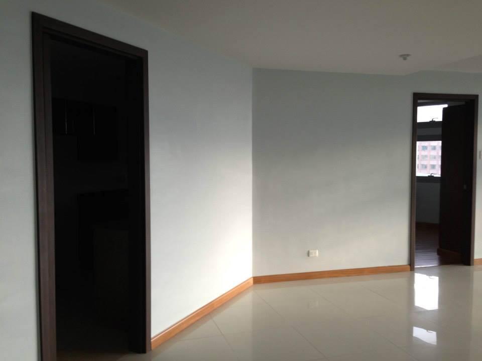 Condominium For Sale in Reina Regente Corner Dela Reina St. Binondo Manila, Binondo District, Metro Manila