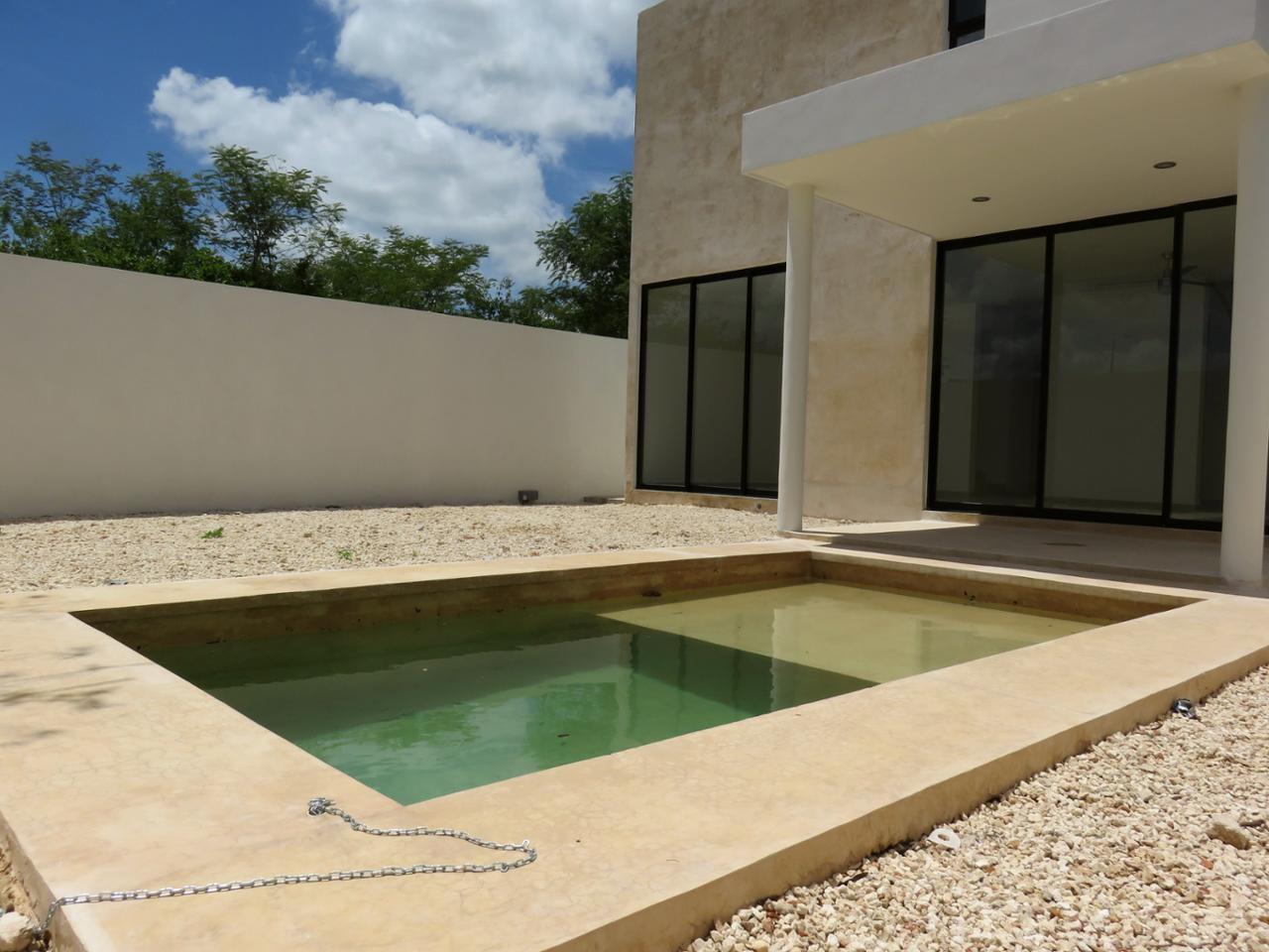 Casa en venta en Calle 3 - E 45 X 10 Fraccionamiento Vida Verde, Cholul, Mérida